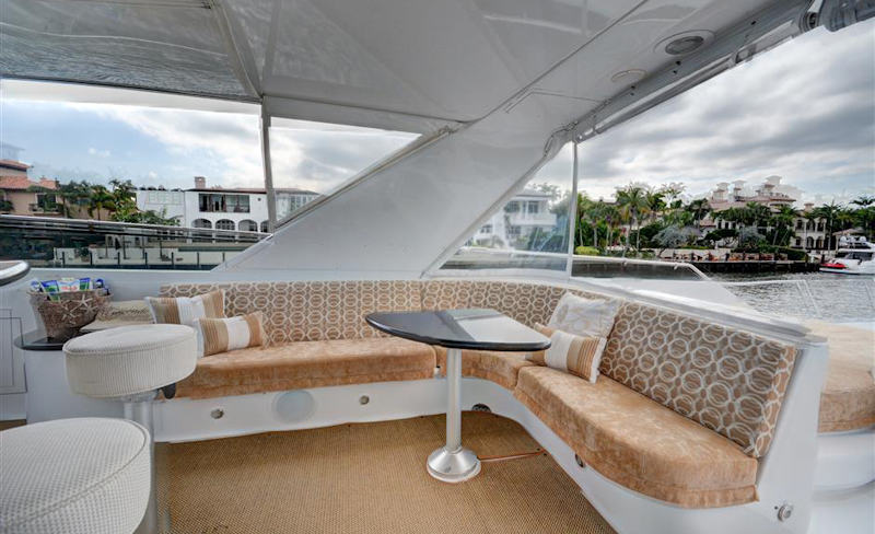 Avanti Flybridge Seating