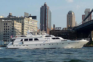 Justine '97 yacht charter