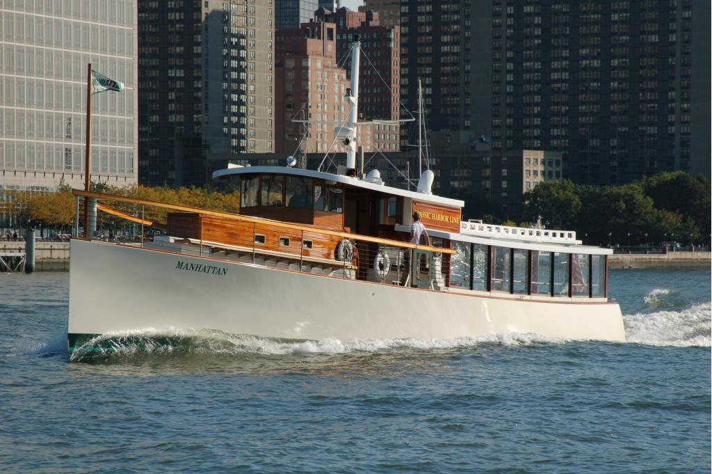 manhattan yacht charter classic motor yacht charter. Black Bedroom Furniture Sets. Home Design Ideas